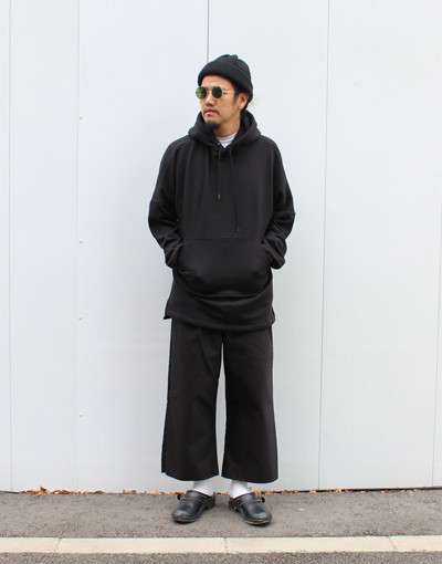 SLIT SLEEVE SWEAT x ZIP SLIT WIDE PANTS(JUHA)