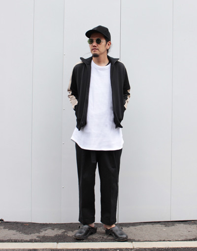THE SOURCE TRACK JACKET(Varde77) x FRONT PLEATS CLASSIC FIT CHINO(MARKAWARE)