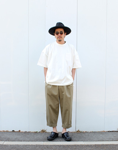 AMERICAN VINTAGE FABRIC POCKET T-SHIRT(is-ness) X DOUBLE PLEATED CHINO(marka)